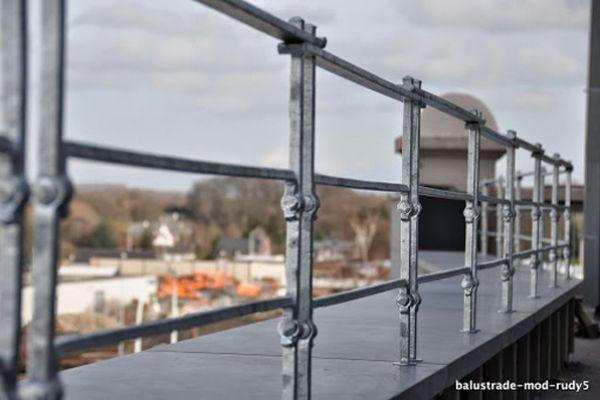 balustrade-modern-rudy576BEF603-2A38-BEE6-7C4F-B904CD4D841E.jpg