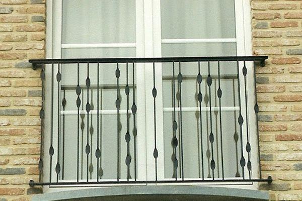 balustrade-modern-tranen-b87F75E14-7926-0EE2-BA9E-B2009C188E9C.jpg